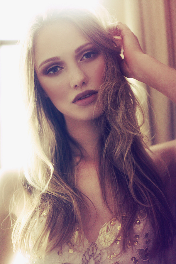 Haley Sutton - Cast Images Model