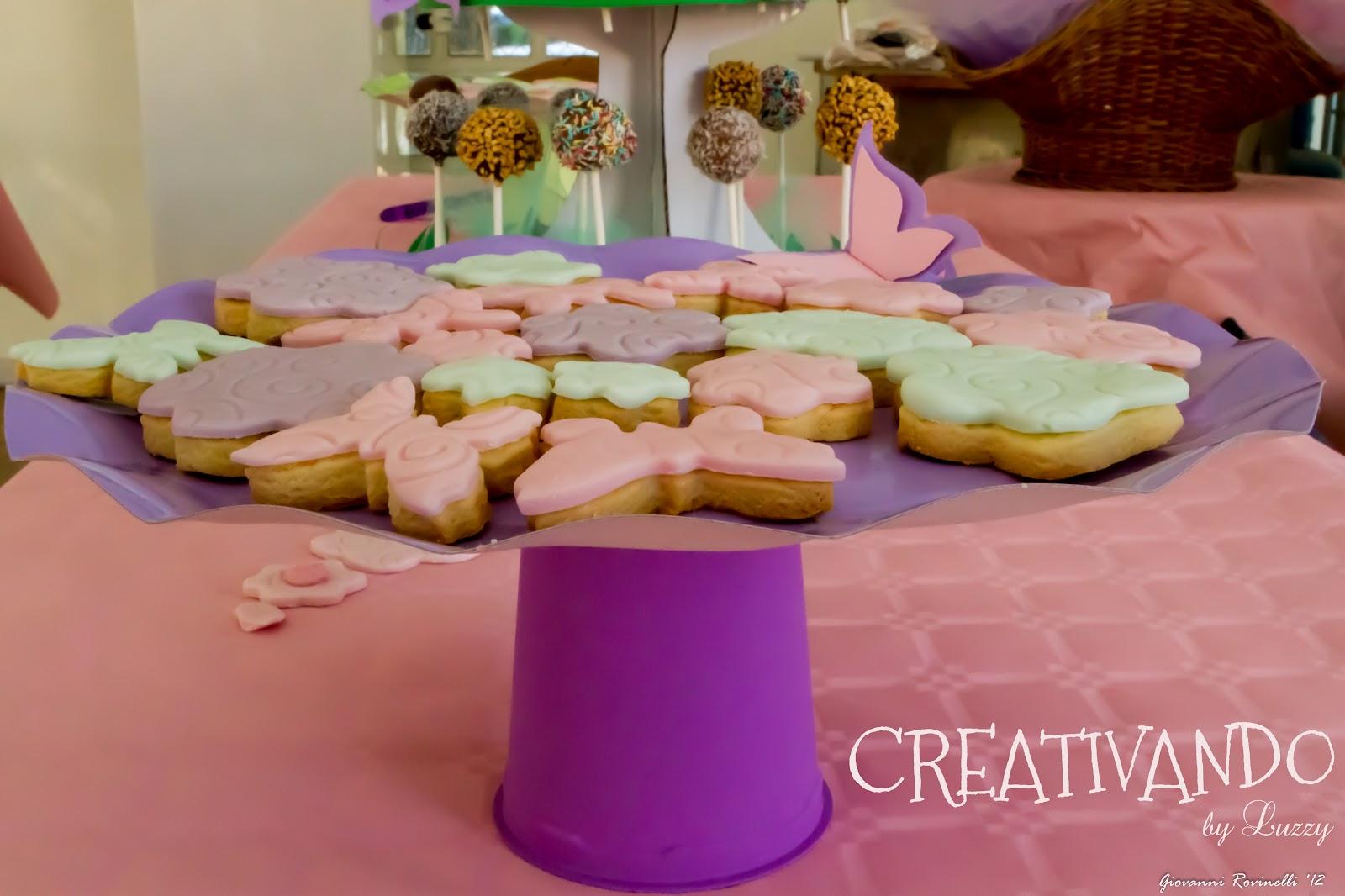 creativo alzatina Fiori : CREATIVANDO: Biscotti di frolla rivestiti con pasta di zucchero