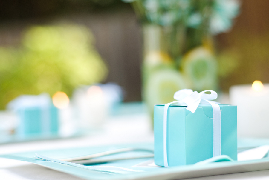 Tiffany blue themed bridal shower, tiffany favor boxes