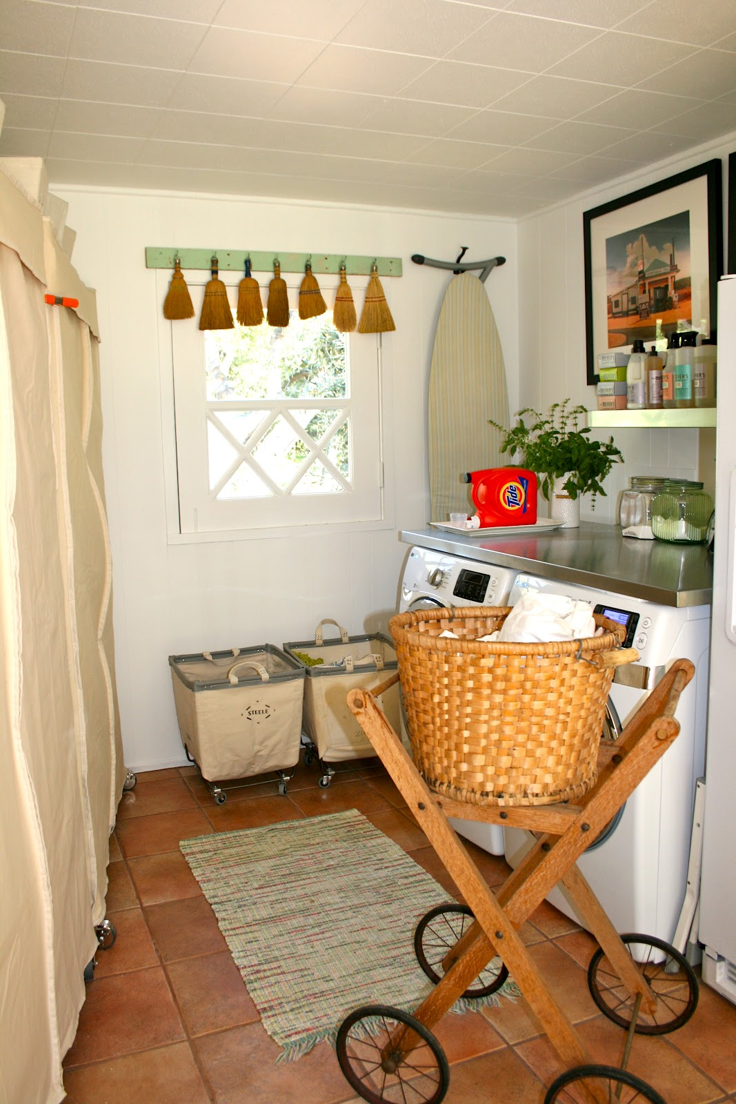 The polished pebble mud room office space for Mudroom office