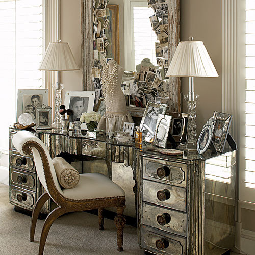 Best jewelry you 39 re so vain vintage vanities dressing for Small vanity table no mirror