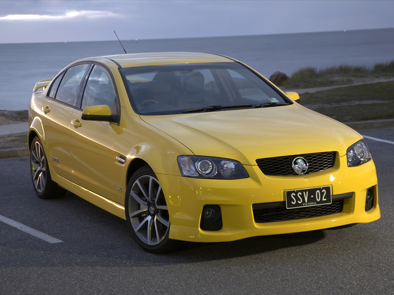 car pictures holden ve ii commodore ssv 2011