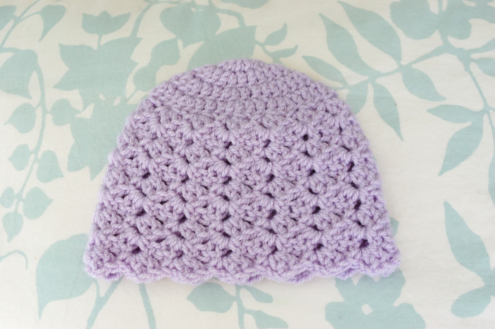 Free Crochet Pattern For A Newborn Hat : Alli Crafts: Free Pattern: Tulip Stitch Hat - Newborn