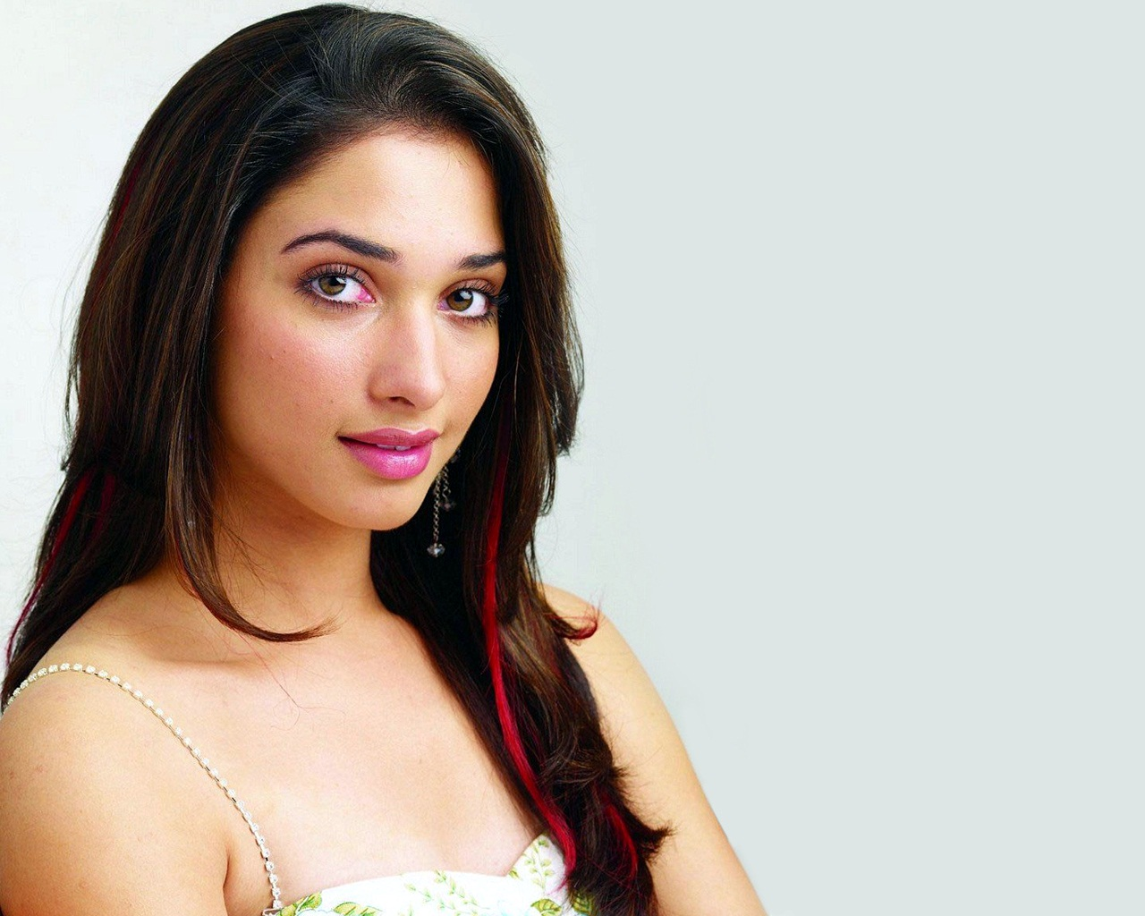 Tamanna actress Photos stills,pics gallery Cinespot  - tamanna south actress wallpapers