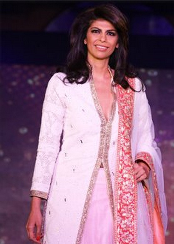 Manish Malhotra Latest Kashmir Culture Collection 2012-2013 For ...
