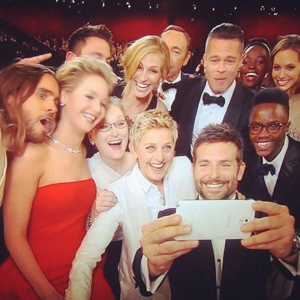 Ellen DeGeneres' Group Selfie