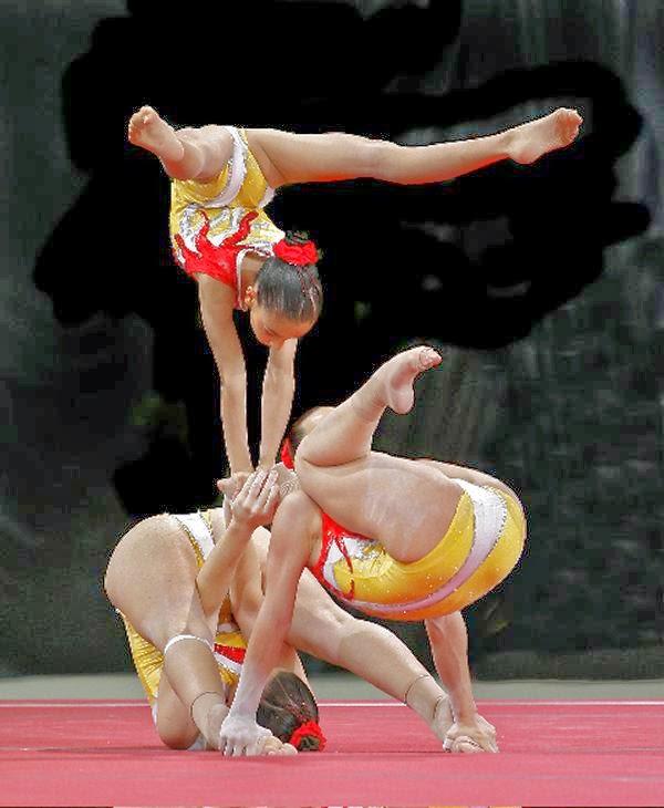 Centro deportivo gimnasia acrobatica for Gimnasia con aparatos