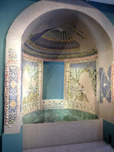 Fontaine décorée de coquillages