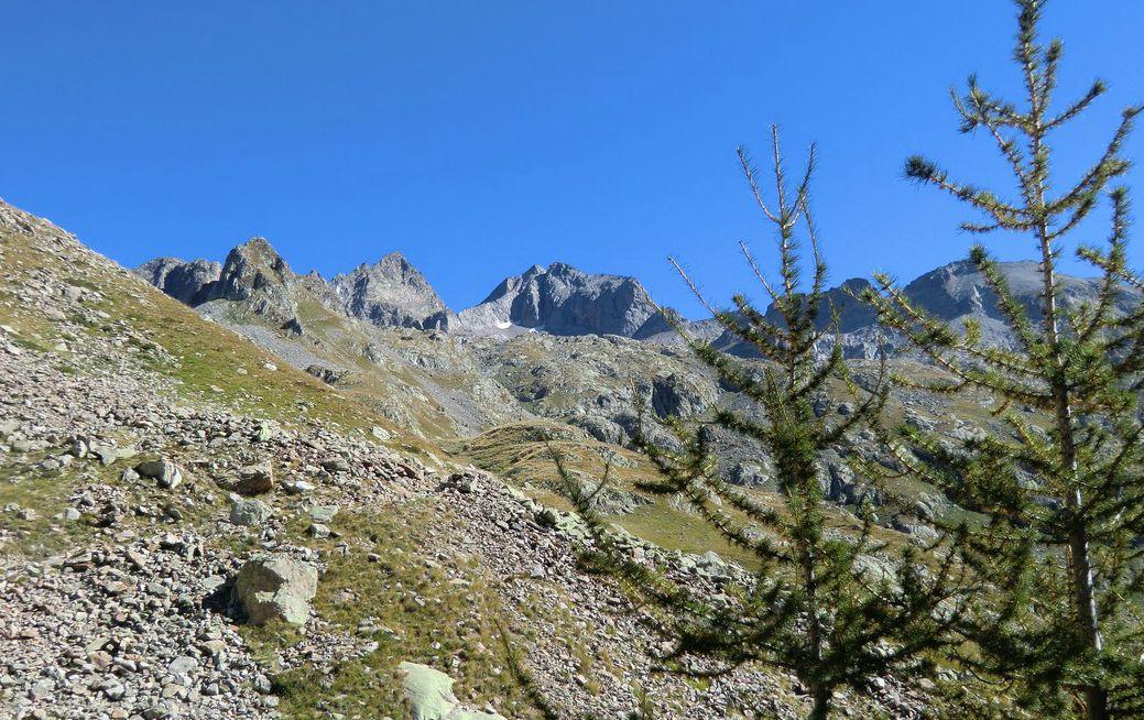 Cime du Gélas seen from the trail to Col de Fenestre