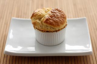 bajor kifli laugenstange laugenbrezel sajtszuflé sajt szuflé soufflé kakukkfű gruyére greyerzer