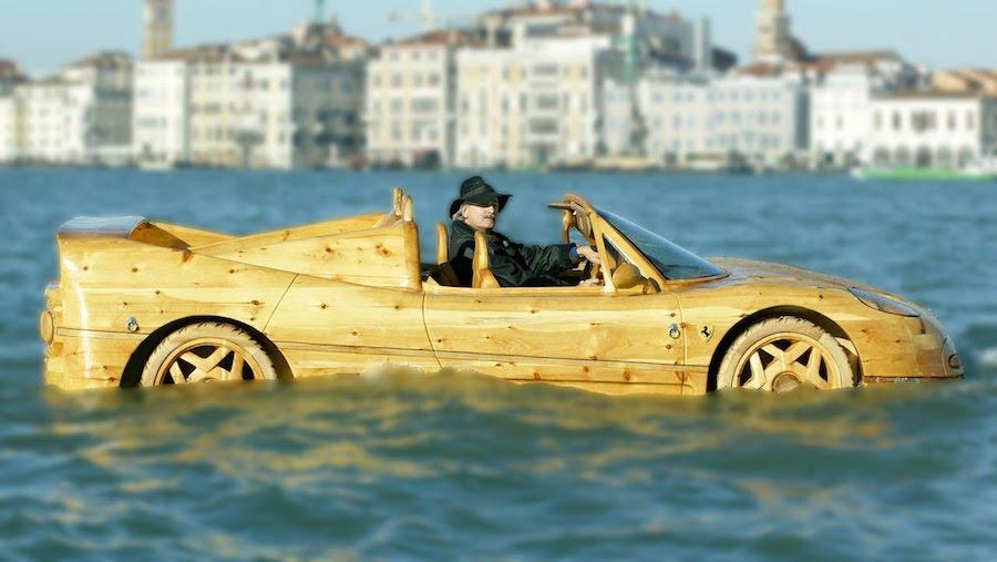 クオリティー高すぎ!フェラーリF50そっくりの木製ボートがスゴい