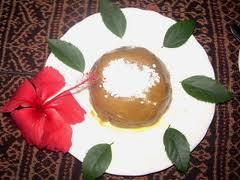 Kue ini namanya Asidah, teksturnya lembut dan rasanya manis perpaduan ...