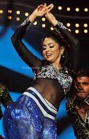 Shriya, saran, at, cinemaa, awards, 2012, navel, photos