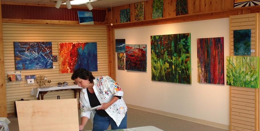 art gallery resumes