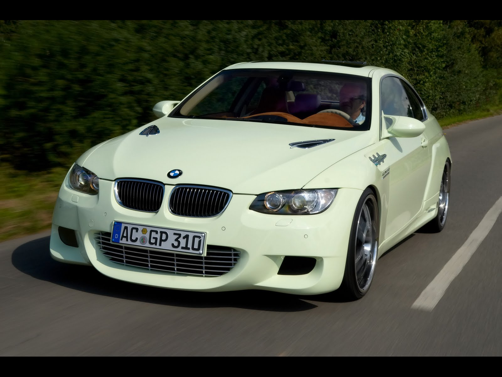 http://4.bp.blogspot.com/-b8i8Df0EjXM/TXzoXW9gLXI/AAAAAAAAAN0/sZ3cYJZPlQw/s1600/2007-AC-Schnitzer-GP3-10-Concept-based-on-BMW-3-Series-Front-Angle-Speed-1920x1440.jpg