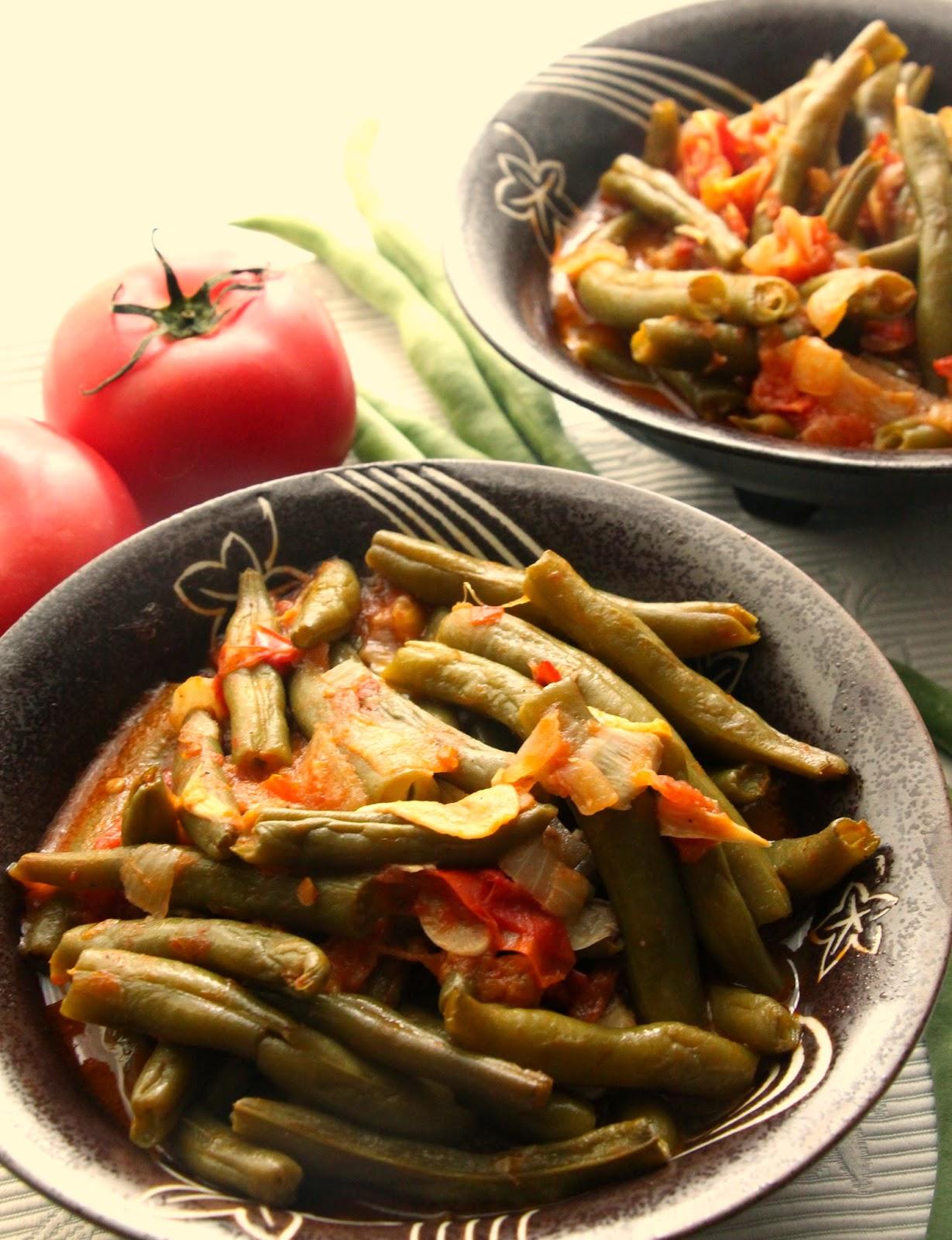 green-beans-tomato-sauce.alt.jpg
