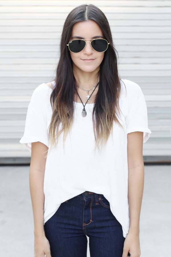 Jessica Lemos aviator sunglasses white t-shirt blue high waisted jeans choker layered necklaces cross necklace ombre hair