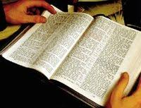 Lea la Biblia cada dia.