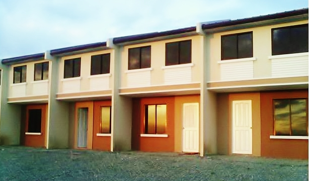 Deca homes model house