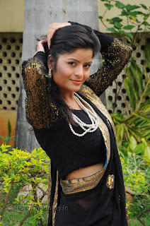 Gehana Vasista in black saree Pictures 010.jpg