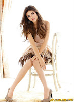 2010 Photoshoot for Savvy magazine