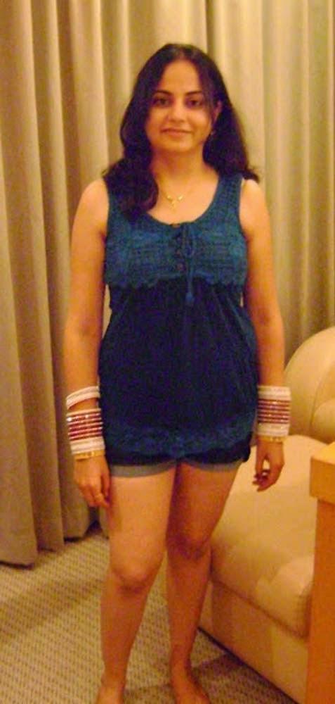Hot Bhabhi in mini skirt on Honeymoon