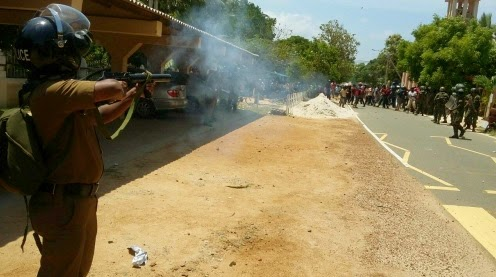 Police fire tear-gas at Jaffna protesters - Video