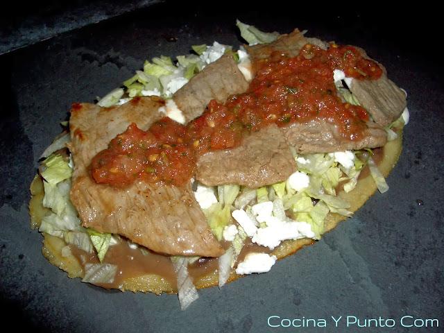 Cocina y punto com huarache con carne for Cocinas puntocom