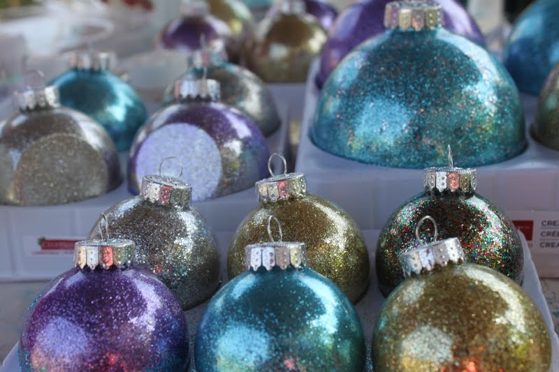 Melange Christmas July Making Ornaments