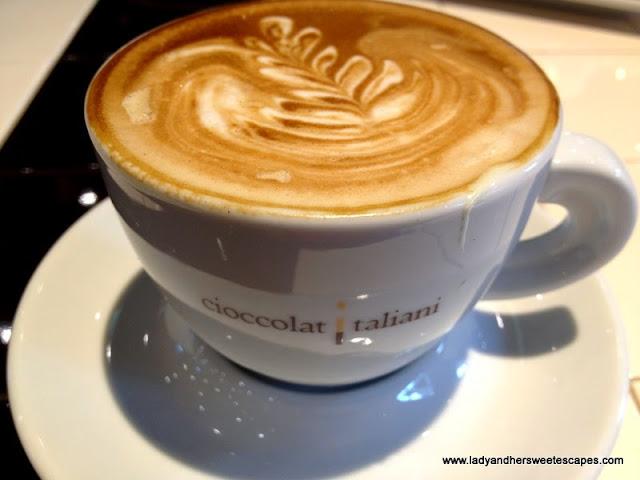 CioccolatItaliani's cappuccino biancofuso
