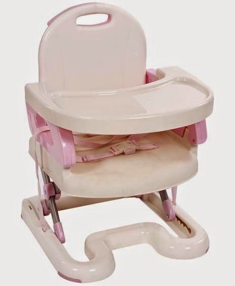 Kursi makan bayi yang dapat dijadikan kado untuk sahabat yang baru melahirkan.