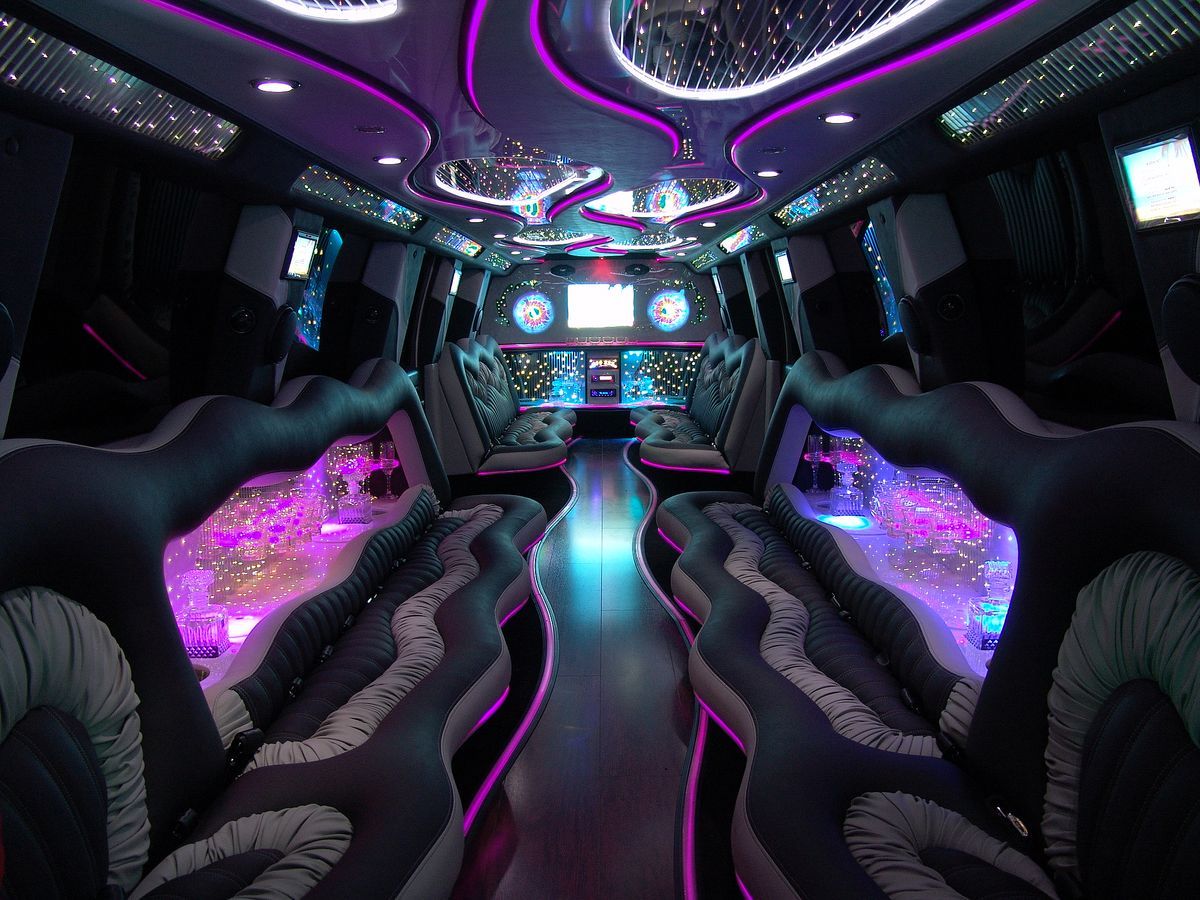 vehicles limousine interior inside of hummer ford h2 and others. Black Bedroom Furniture Sets. Home Design Ideas