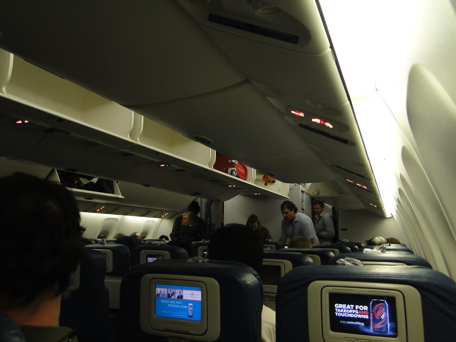 Vi.Viagens: Viagem Orlando e Miami  2012 1º dia Downtown Disney #1162BA 1600x1200 Banheiro De Avião