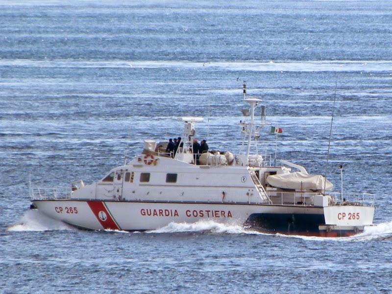Pesca illegale nelle acque territoriali, bloccato peschereccio tunisino