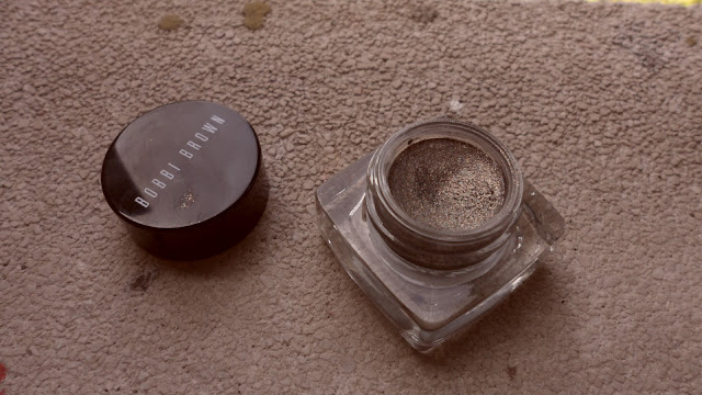 Review: Bobbi Brown Metallic Long-Wear Cream Shadow in Antique Gold