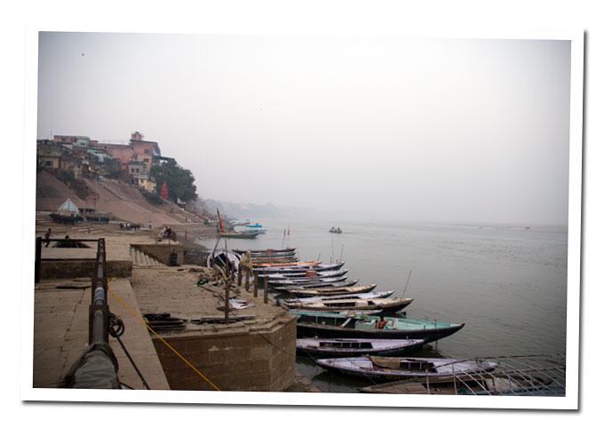 barcas en varanasi