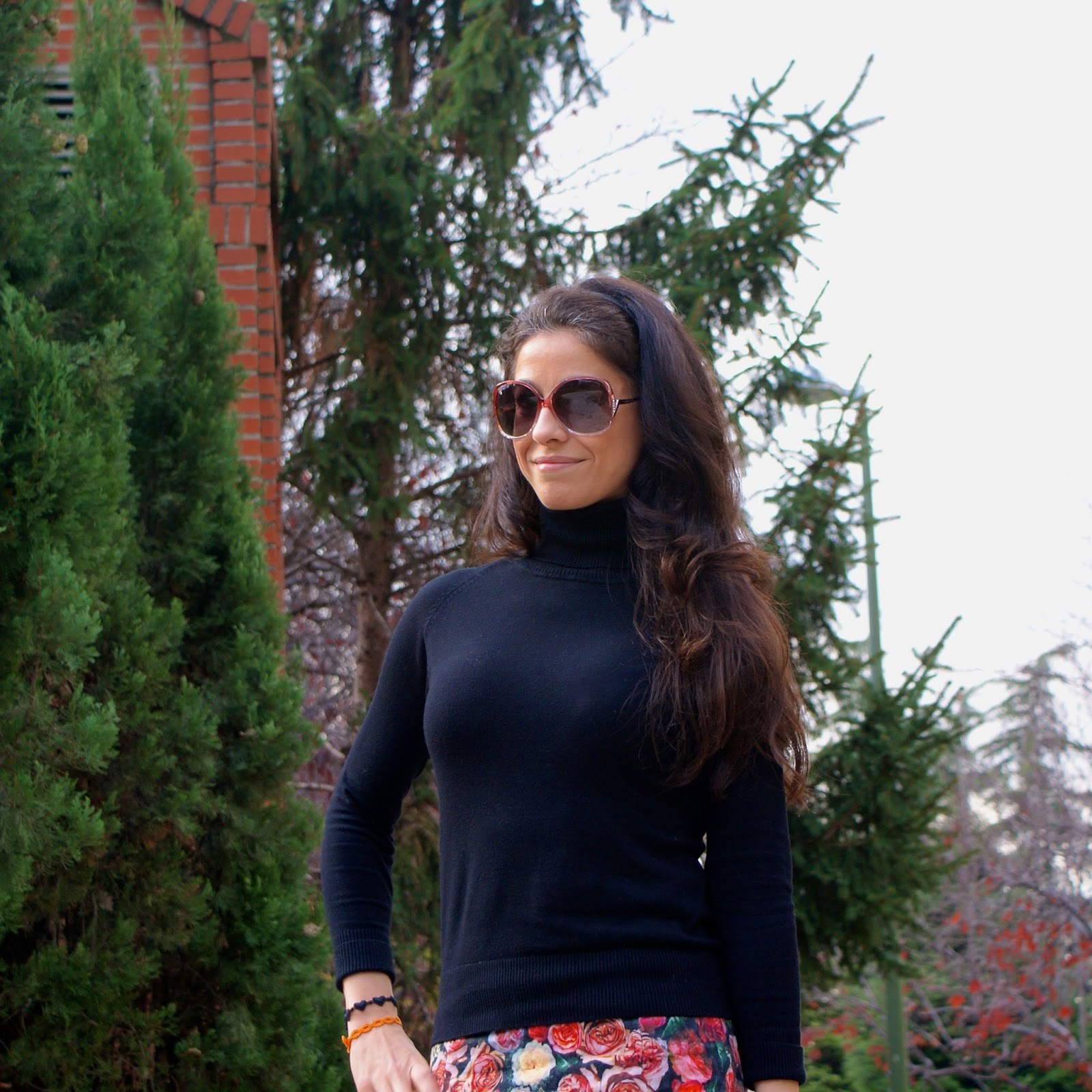 La Caprichossa, blog de moda, Look oficina con falda de flores