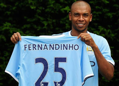 Fernandinho Profile Midfielder Manchester City Barclays Premier League