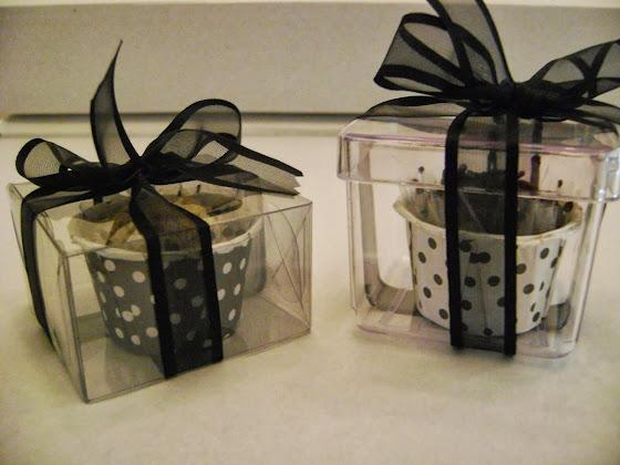 caixas transparentes com um