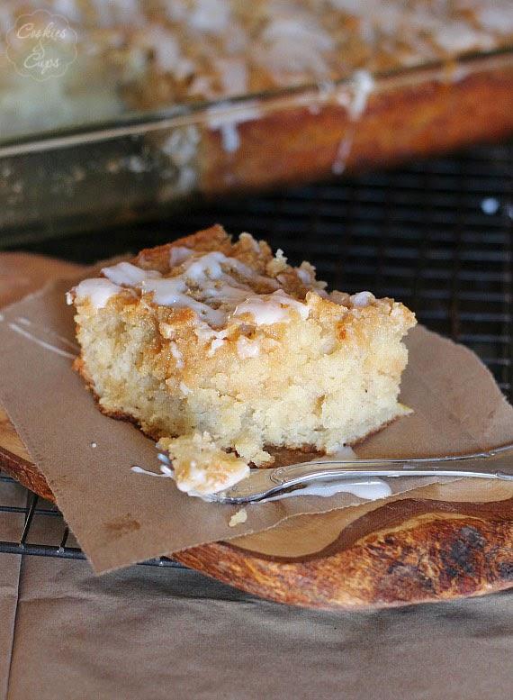 http://cookiesandcups.com/banana-bread-crumb-cake/#_a5y_p=1248997