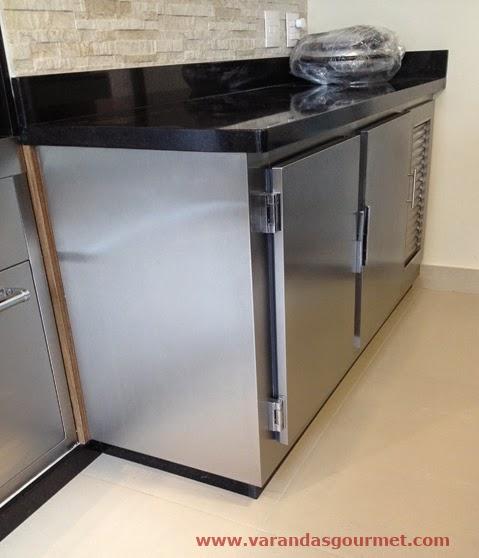 lateral balcão refrigerado 2 portas em aço inox escovado