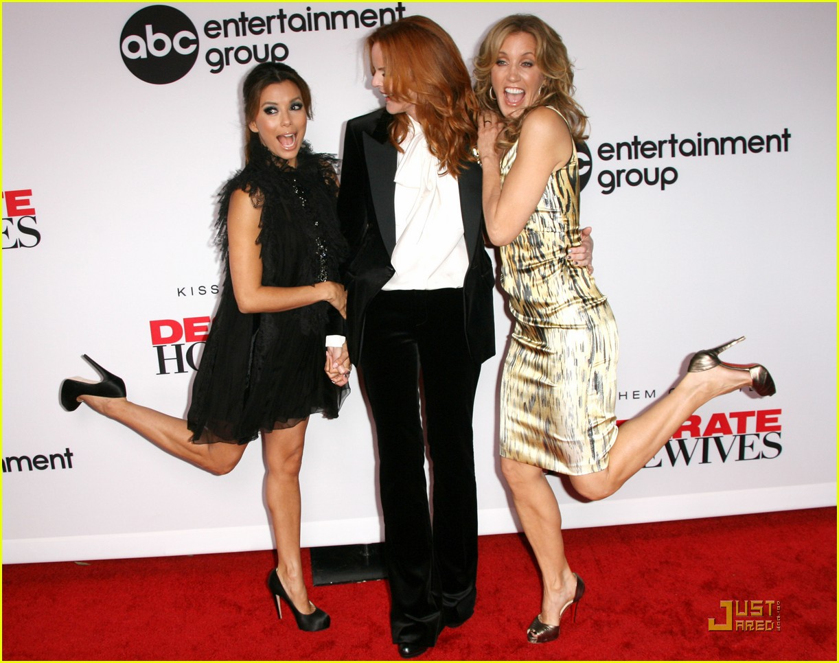 http://4.bp.blogspot.com/-bDJeAILuOCY/UNEqSNxE3iI/AAAAAAAABZY/jfKYF8bHDyU/s1600/eva-longoria-desperate-housewives-final-season-party-04.jpg