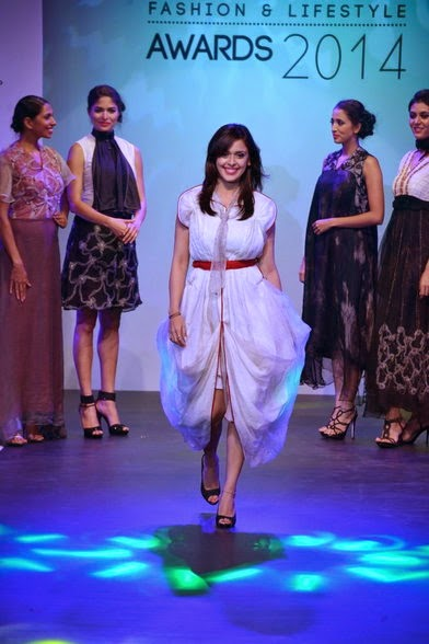 Hrishita Bhatt walks for 'Tassel Awards 2014'