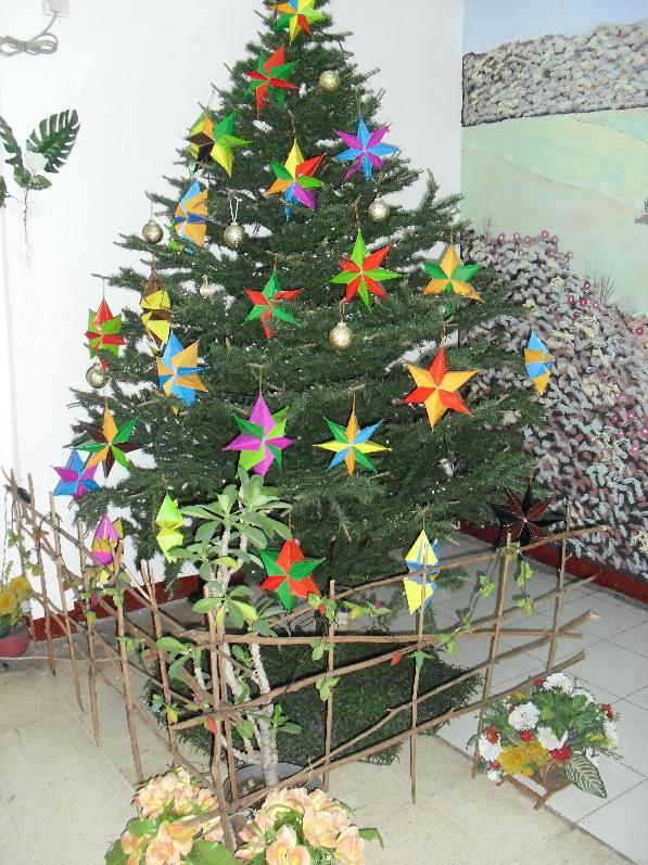 Cara Membuat Pohon Natal Sederhana - Rumah Minimalis Modern