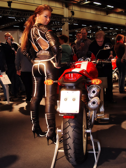 Cafe Racer Babes 004 Return Of The Cafe Racers