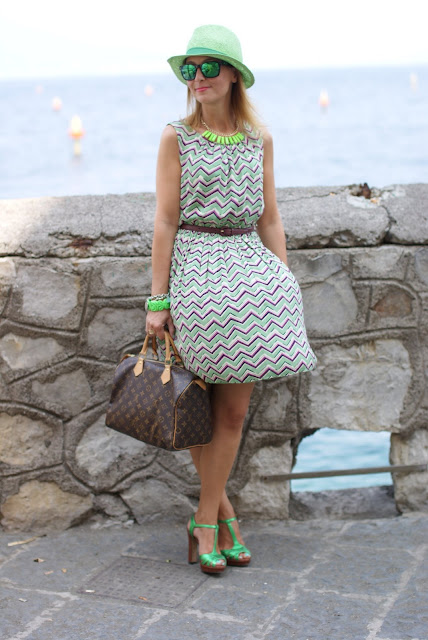 Darling chevron dress, Oakley mirror sunglasses, Louis Vuitton Speedy 30, fashion blogger, Fashion and Cookies