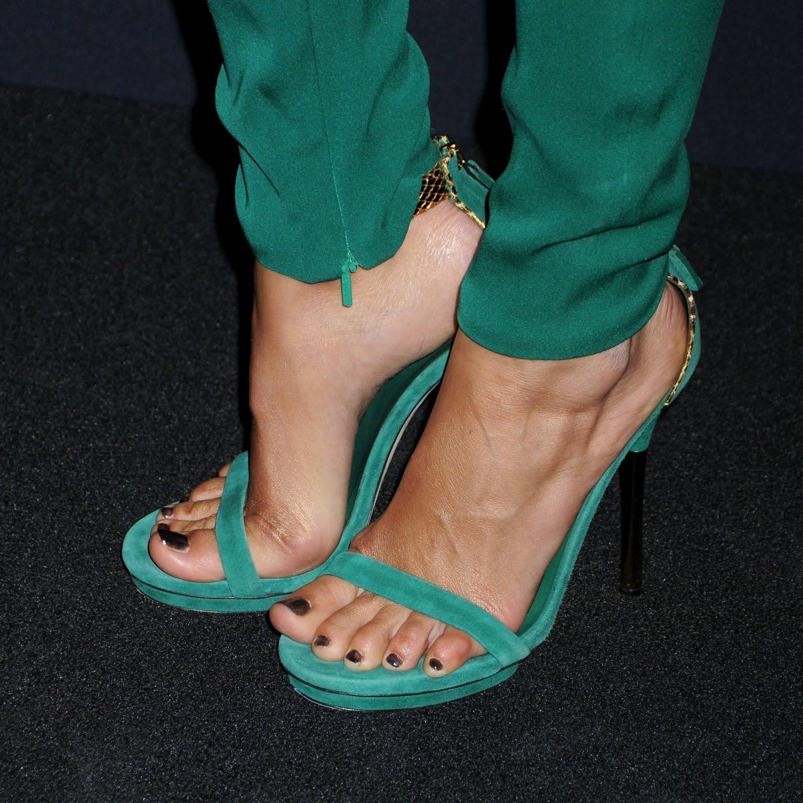 Feet Camilla Belle naked (38 photo), Tits, Sideboobs, Feet, braless 2006