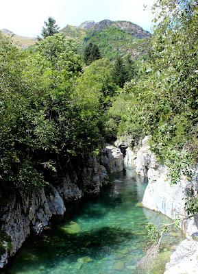 Río Ara en el valle de Bujaruelo-Huesca