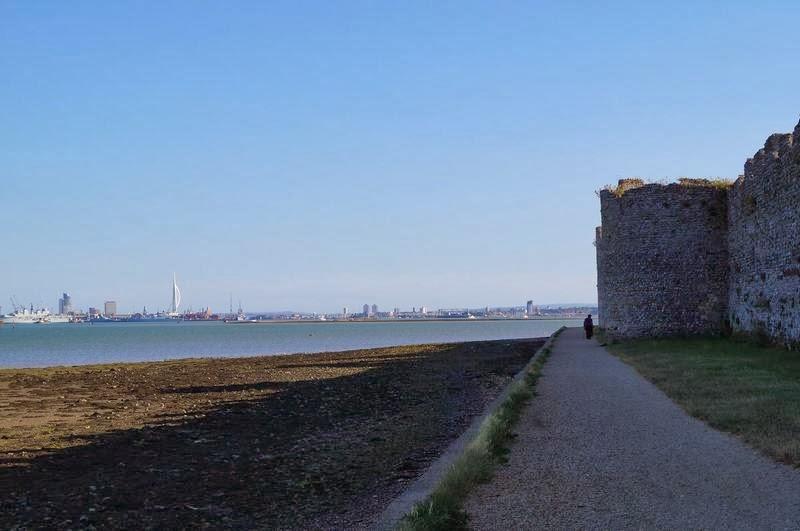 vistas de Portsmouth desde el castillo de Porchester