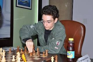 Echecs à New Delhi : Hou Yifan (2612) 0-1 Fabiano Caruana (2714) - ronde 3 © site officiel